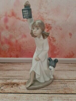 Lladro Nao Figurine   Who's There   Girl With Dog & Lantern • 10£