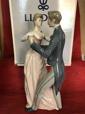 Lladro Figurine  Anniversary Waltz  1372 Excellent And Boxed • 59.99£