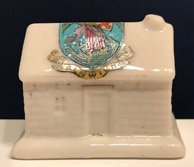 Arcadian Crested China Cottage With Alnwick Crest • 2.99£