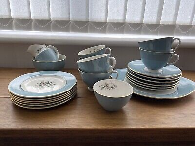 Royal Daulton Rose Elegans Tea Set • 40£