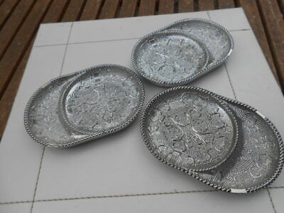 3 Silvered Glass Trinket Dishes • 9£