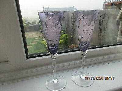 2 Lovely Dartington Glass Etched Wine Glasses Rare • 12£