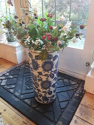 Large Blue And White Pottery Cylindrical Vase With Flower Pattern • 20£