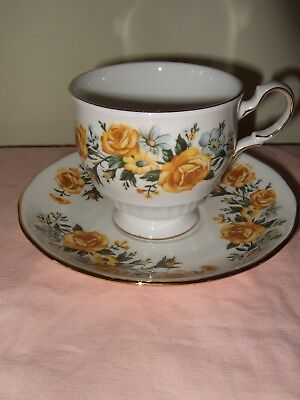 Vintage Royal Vale Cup And Saucer  ~  • 5£