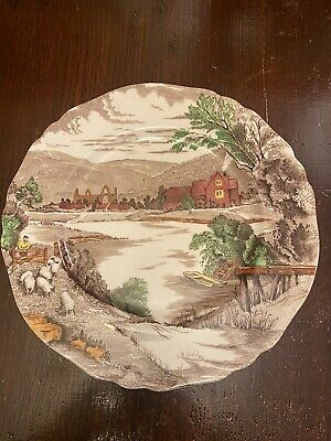 ALFRED MEAKIN - Hand Painted Tintern Pattern Plate • 5£