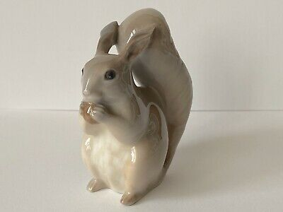 Royal Copenhagen Squirrel With Nut Model Number 982 • 30£