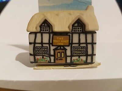 Wade Whimsey On Why Village - Whyknot Inn - No 5 - Great Condition (Whimsies) • 4.50£