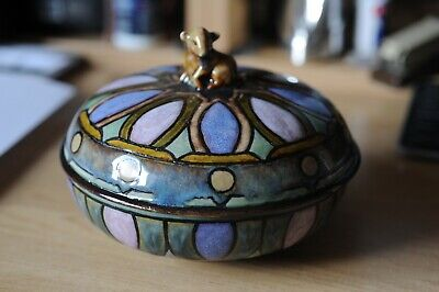 Doulton Lambeth Lidded Dish With Lamb Finial By Vera Huggins • 370£