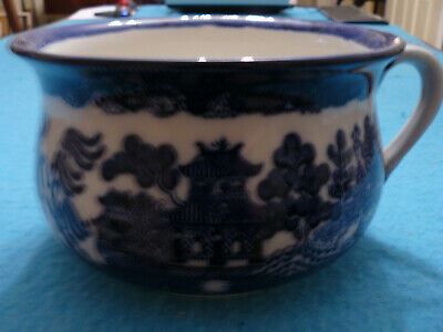 A Doulton Burslem Willow Pattern Blue And White Transfer Printed Chamber Pot • 38£