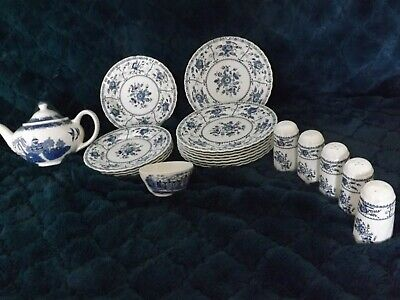 Job Lot  Vintage Blue And White China Willow Pattern & Teapot • 30£