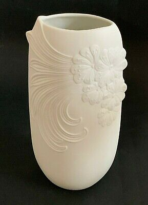 Manfred Frey For Kaiser Vintage Beautiful White Bisque Floral Vase No. 739/2  • 14.99£