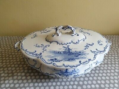 Ridgways Delft Tureen. In Very Good Condition  • 29£