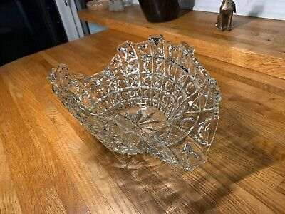 "Artfully Designed Stunning Cut Glass Pressed Fruit Bowl / Dish - Vintage- 12"" • 19.99£"