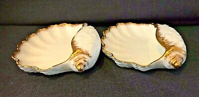 A Pair Of Rococo White Gilded Continental Porcelain Shells • 15£