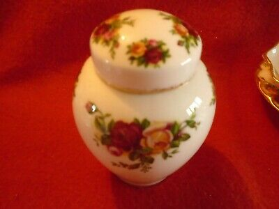 Royal Albert Old Country Roses SMALL LIDDED GINGER JAR • 6.99£
