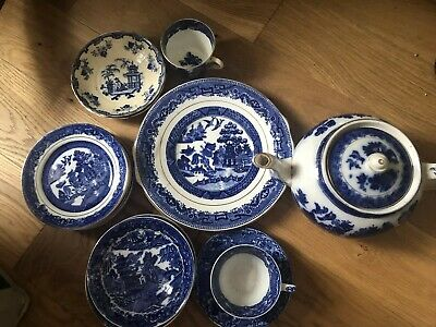 Large Collection Of Vintage/antique Willow Pattern/blue & White China • 21.99£