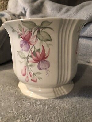 Royal Winton Pottery - Ironstone Staffordshire - Ceramic Flower Pot • 8£