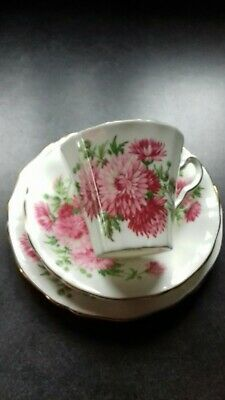 'Vintage' Adderley China Trio With A Floral Pattern  • 5£
