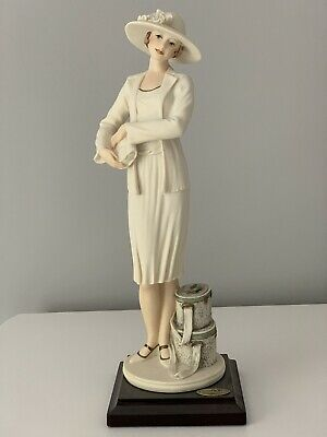 Guiseppe Armani Florence 'Mabel' Figurine 1994 (Lady With Bags/cases) • 59£