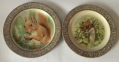 """2 X Purbeck Pottery 8.5"""" Animal Squirrel & Otter Display Plates • 3£"""