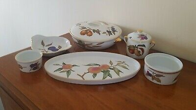 6 Pieces Of Royal Worcester Evesham Gold China • 39.99£