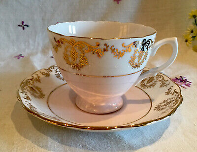 💕 Stunning Vintage Royal Vale Pale Pink And Gold Chintz Tea Set Cup And Saucer* • 6.99£