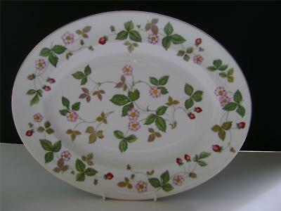 Pretty 14  Oval Plate In  Wild Strawberry  Design By Wedgwood. • 35£