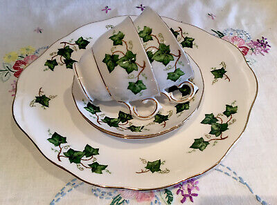 *2 Beautiful Vintage Colclough Ivy Cups And Saucers With Cake Plate Tea Set* • 8.99£