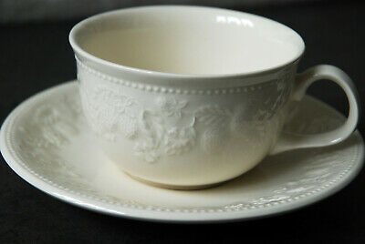BHS Barrats Strawberry Vine Cup & Saucer Cream With Embossed Orchard Fruits • 4£