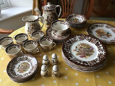 The Royal Worcester Palissy Game Series Set • 120£