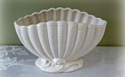 Vintage Falcon Clam Shaped Planter (White) . Displays Beautifully • 6£