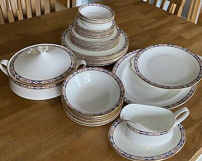 Royal Albert Hyde Park Bone China Dinner Set • 17.50£