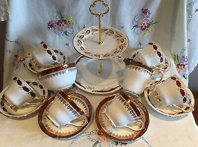 *stunning Vintage Mismatched Red And Gold Christmas Tea Set With Cake Stand* • 29.99£