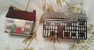 Pair Of Miniature Wade Ceramic Houses The Stag Inn Hotel And Cottage • 4.99£