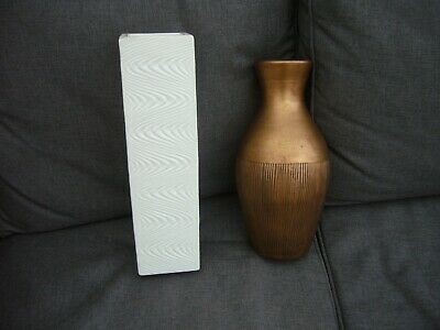Vintage 2 Large Vases Unmarked Gold And Cream • 12£