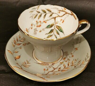 Aynsley Corset Cup And Saucer • 19.95£
