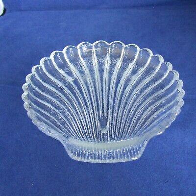 Clear Cut Glass Candy Dish Sea Shell Made In The USA  6  Across 1/2  Tall  • 3.66£