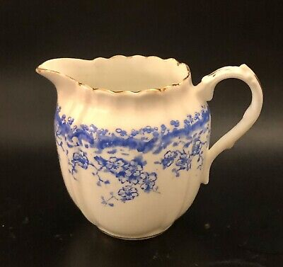 Victorian Antique Blue & White Floral Milk Jug • 4.99£