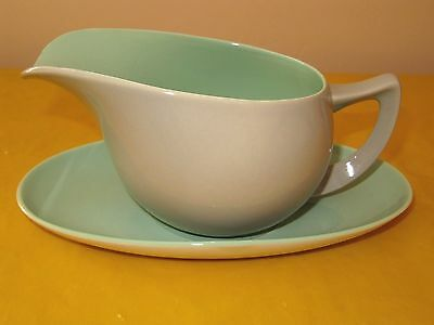 BRANKSOME Grey&Green GRAVY BOAT&STAND Firing Flaws, Hardly Used In VGC • 29.50£