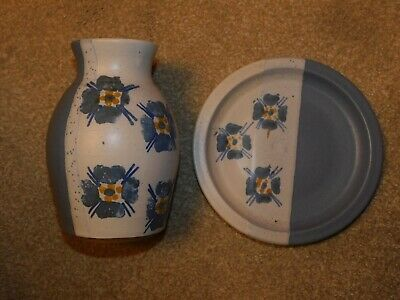 Suzanne May Pottery Matching Floral Blue Plate & Vase Dublin Ireland • 25£