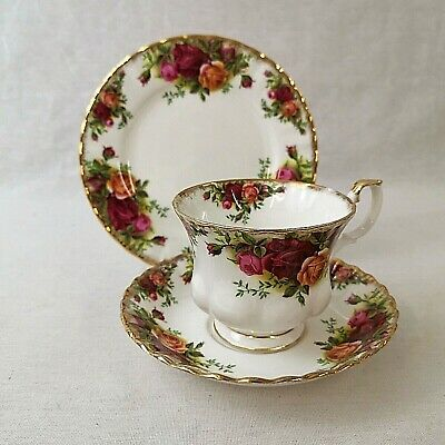 Royal Albert Old Country Roses Tea Trio Cup Saucer Plate Excellent Condition • 15£