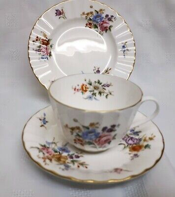 Royal Worcester 'Roanoke' Tea Trio, Pattern Z2827, Cup, Saucer And Plate, Fluted • 6.99£