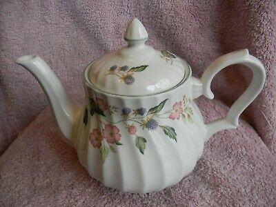 Bhs ' Victorian Rose ' Large Teapot • 5.95£