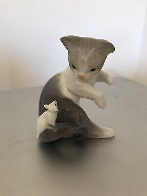 Lladro Figure Of A Cat & Mouse • 15£