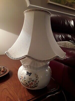 Aynsley Bone China Table Lamp, Cottage Garden Design With Shade • 12£