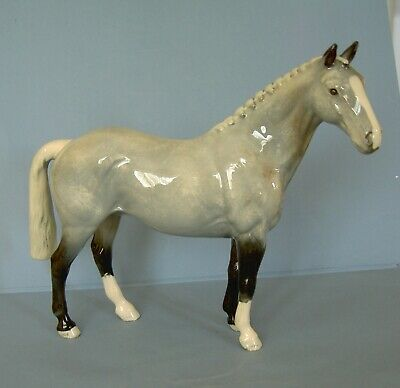 BESWICK Horses HUNTER  H260 First Version  Good Condition Gloss Finish  • 31£