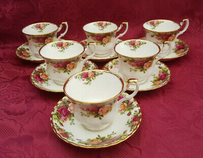 A Set Of 6 Royal Albert  Old Country Roses  Tea Cups & Saucers  • 24.99£