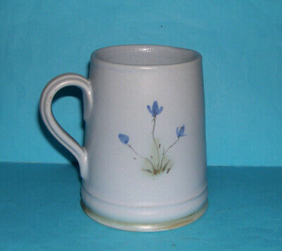 Buchan Stoneware Art Pottery Scotland - Attractive Subtle Thistle Design Tankard • 30£