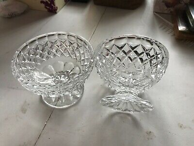 2 X Glass Dishes • 2.50£