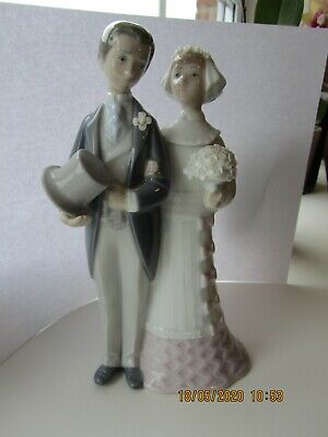 Bride And Groom In Moonstone Arch • 175£